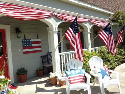 Such a cute idea for Memorial Day or 4th of July holiday decor -- This DIY Patriotic Bunting looks super easy and adds a ton of festive decor to your porch or outdoor entertainment space!