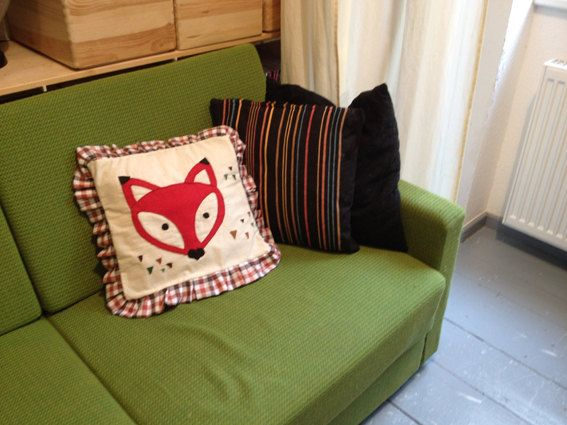 Red Fox face appliqué pillow at Etsy by BonitoFracaso