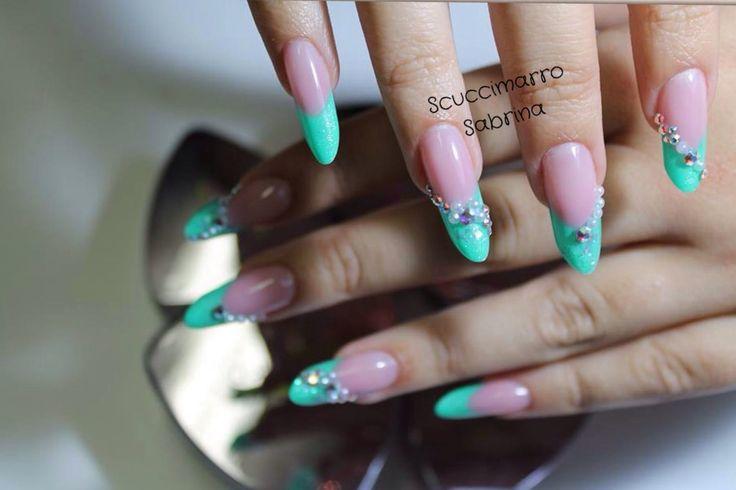 Sono un insegnante master brillbird  Mi piacciono le unghie !!!! Le ❤️❤️❤️❤️❤️❤️❤️❤️
