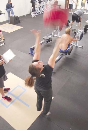 Entrenamiento Sprint Vs Entrenamiento Resistencia;  el entrenamiento de intervalo de sprint fue un método de tiempo muy eficiente para mejorar la resistencia que tiene el potencial de inducir el rendimiento rápido y las adaptaciones del músculo que son comparables con el entrenamiento de resistencia.