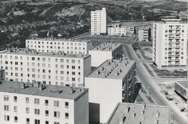 Építészet (politika) egy makropolisz kiépülésében