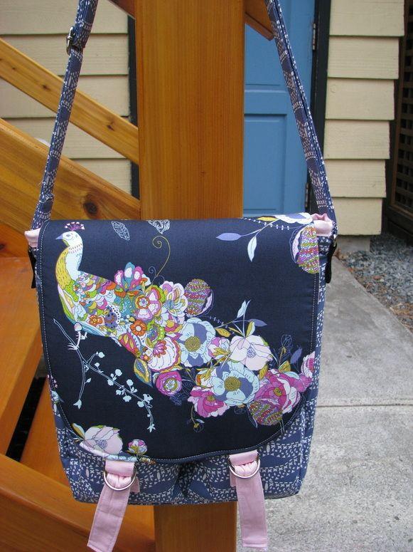 Noodlehead Campfire Messenger Bag | Sewing pattern | Happy Okapi Blog