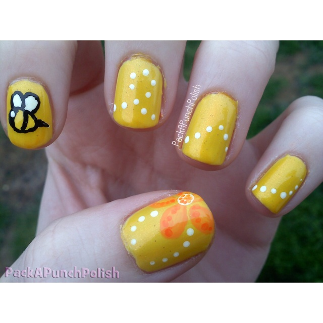 88 best nail art images on pinterest bumble bees bumble bee a really cute bee themed yellow nail art design prinsesfo Choice Image