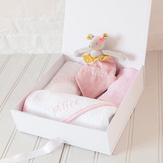 Baby Girl Personalised Embroidered Gift Set Blanket & Sleepsuit Cute Piglet