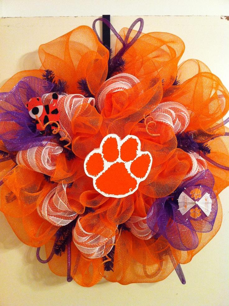 Clemson deco mesh wreathCrafty Stuff, Schools Decor, Clemson Fans, Diy Gift, Clemson Deco, Mesh Wreaths Husband, Deco Mesh Wreaths, Fun, Clemson Tigers
