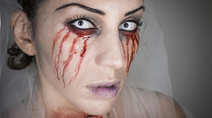 Make-up tutorial Halloween La sposa Cadavere Per Halloween ho pensato non alla solita sposa cadavere che tutti conosciamo ma ad una sposa tradita e uccisa! Alla Faccia dell'allegria!!!! ehehheheh!! comunque spero come sempre che vi spiaccia e che magari vi sia da ispirazione per la vostra maschera ;)  Truco velocissimo da realizzare!!! Iscrivetevi al CANALE e lasciate un bel LIKE sulla mia pagina Facebook!  #halloween #lasposacadavere #fantasma #ghost #bride #makeup #makeuptutorial #horror…