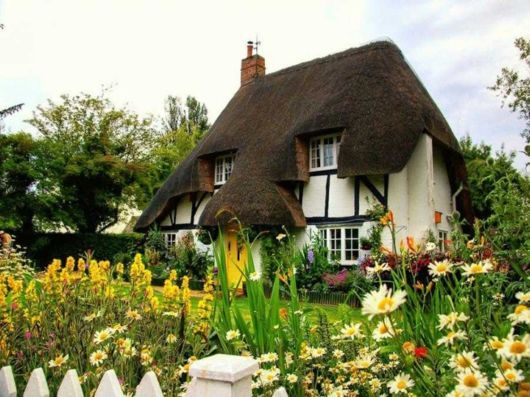 8 best BEAUTIFUL COTTAGE images on Pinterest Cottages Country