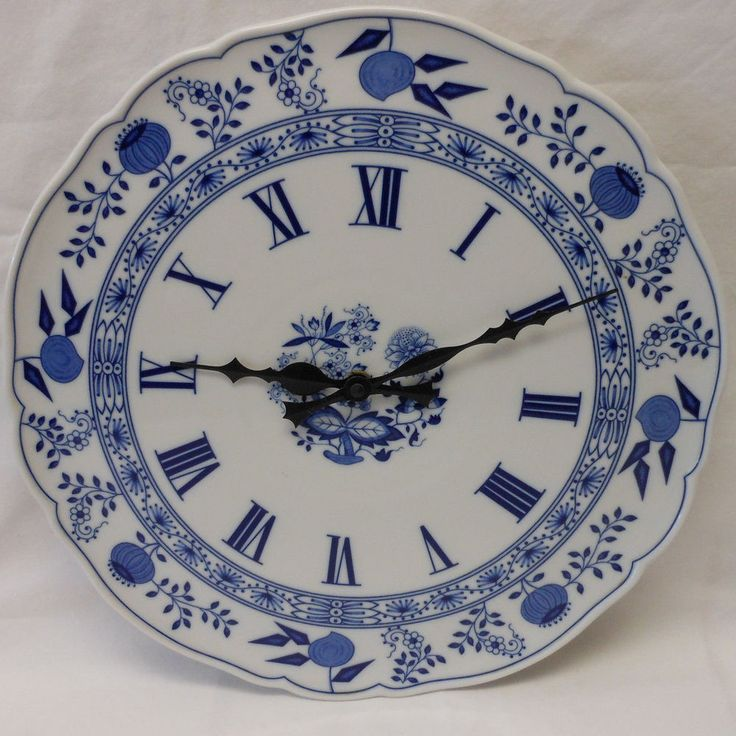 "13"" BLUE ONION CLOCK PLATE Germany HUTSCHENREUTHER"