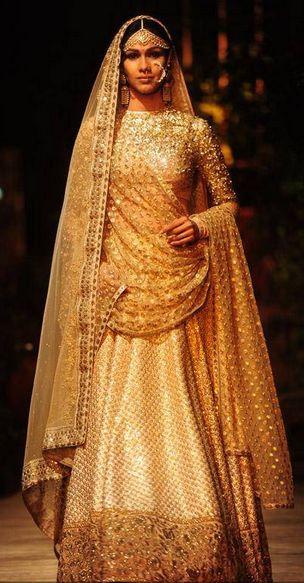 Scarlet Bindi - South Asian Fashion: Delhi Couture Week, Day 1: Anju Modi & Sabyasachi