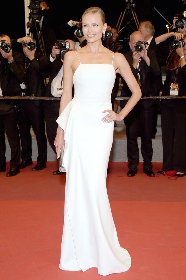Наташа Поли в Hugo Boss на премьере фильма «Из ниоткуда» в Каннах - мода, красота, украшения, новости, тренды, коллекции брендов одежды, обуви и аксессуаров: все новинки в онлайн-версии журнала Vogue.