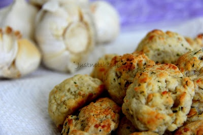 JUST NOT THE CAKES: Garlic Bread Biscuits