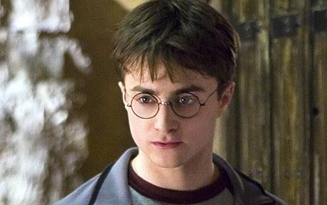"See -with apraxia or dyspraxia you can still be or do anything -even be the most famous ""boy wizard"" in the world!  Harry Potter's Daniel Radcliffe has dyspraxia  Harry Potter star Daniel Radcliffe has revealed he suffers from dyspraxia, meaning he sometimes still has trouble tying his shoelaces."