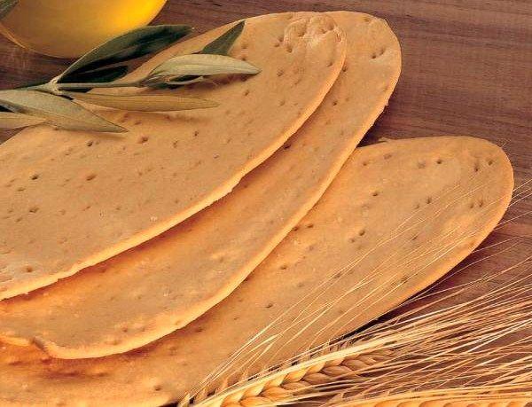 Le Ciappe sono una ricetta tipica della Liguria. Si presentano come delle piccole piadine ma più sottili e vengono servite con del pesto.