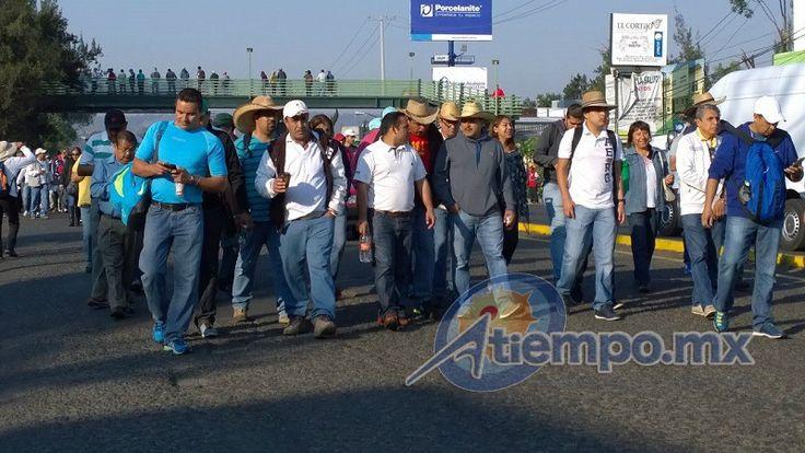 Si es que hay agentes de Tránsito en la capital michoacana, una vez más han sido ampliamente rebasados por los conflictos viales que provocan las manifestaciones de la CNTE y ...