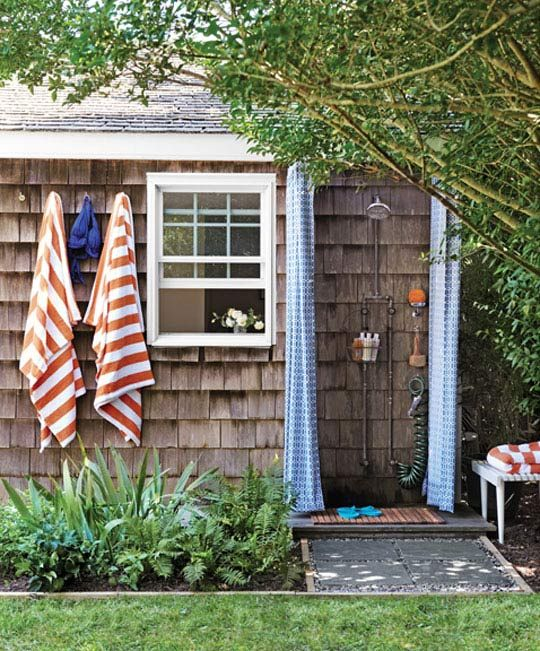 Beach Cottage, Outdoor Shower.Ideas, Lakes House, Outside Showers, Outdoorshower, Beach House, Outdoor Showers, Cottages, Shower Curtains, Outdoor Spaces