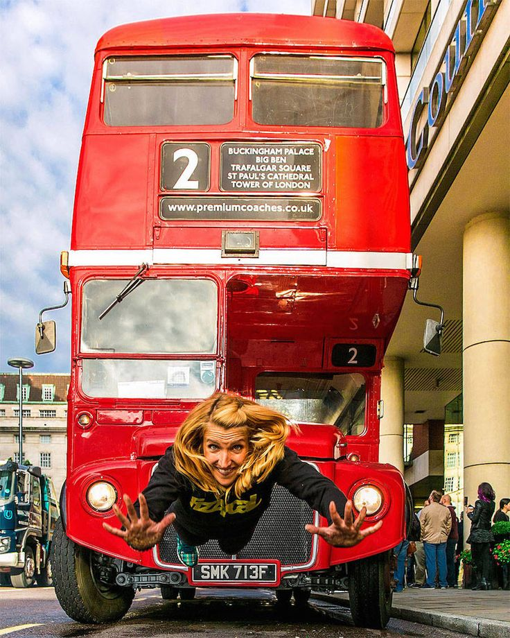 For yoga photography, it doesn't get more interesting than this photo in front of the classic red London bus! #yogaphotography #yogalondon #yoga #London