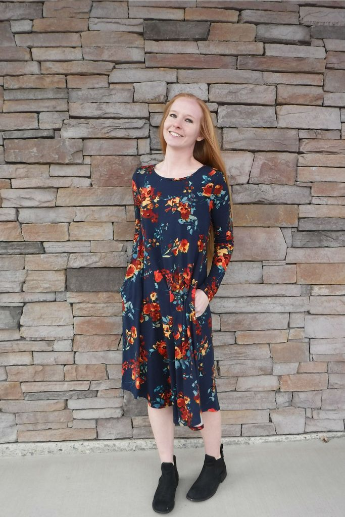 40b75a21df1c Loose floral dress with pockets