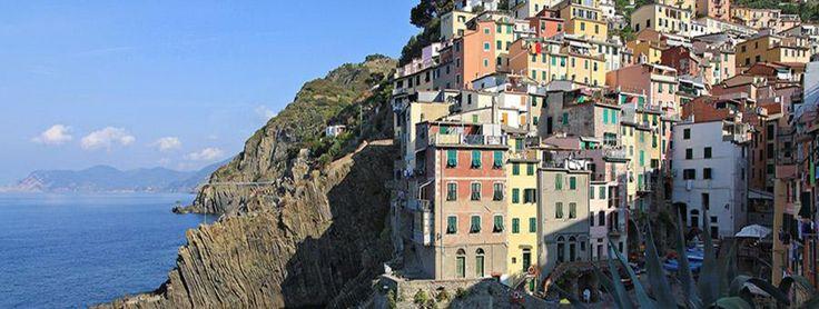 Cinque Terre : climat, paysages, villes principales... retrouvez avec GEO.fr, le guide de voyage Cinque Terre regroupant toutes les infos nécessaires pour préparer votre voyage
