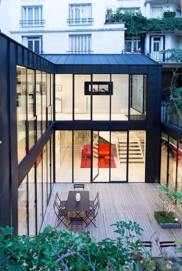 Philippe Chiambaretta Architecte (PCA Agency) have recently completed the renovation of an old printing office in an 1950's building into their new offices, in Paris, France.