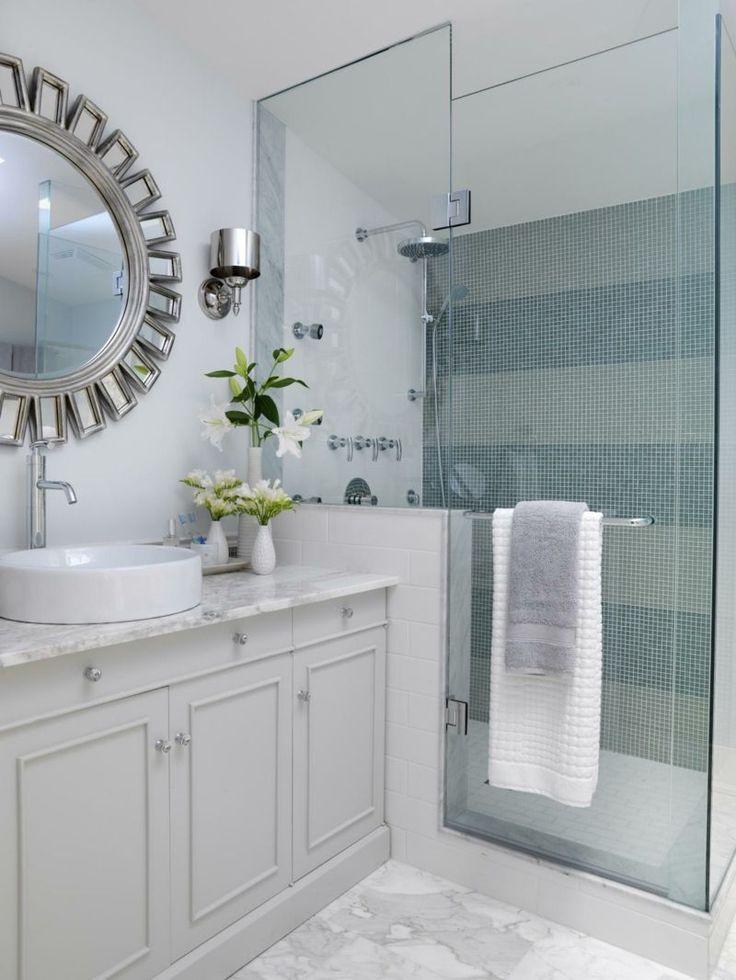 33 Ideen für kleine Badezimmer   Tipps zur Farbgestaltung   Bathroom tile designs, Patterned ...