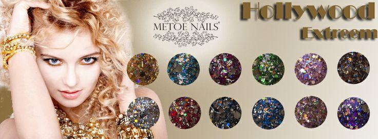 De metallic effecten maken deze acryl poeders speciaal. De glitterpoeders daarentegen hebben verschillende soorten en maten glitters, waardoor deze poeders nog meer fonkelen en extra diepte geven aan de nagels.