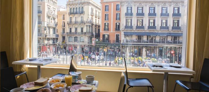 Hostal Mare Nostrum Barcelona Official Website - Hostel accomodation in the center of Barcelona with view to Las Ramblas