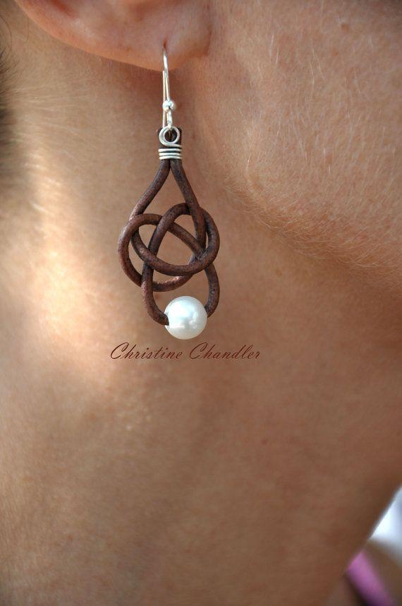Süßwasserperlen und Leder Ohrringe  1 Perle von ChristineChandler