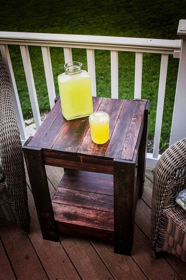 This DIY pallet end table is created with reprocessed wood pallets. It has a natural and rustic appearance as this time we have use dark brown pallets for its construction. This wooden pallets end table is best to use in your garden, outdoor and also good-enough to use in your open surrounding for enjoying your cup of tea/coffee with your loved one.