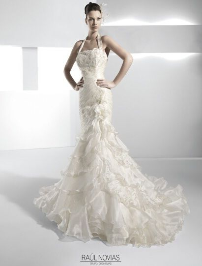 29 best Spanish style- wedding dresses images on Pinterest ...