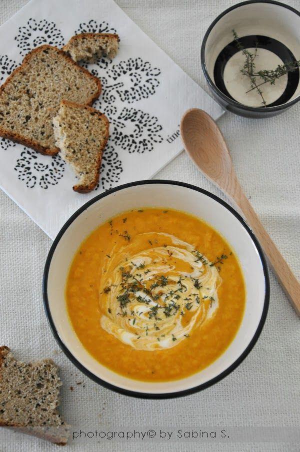 Due bionde in cucina: Vellutata carote, zenzero e timo