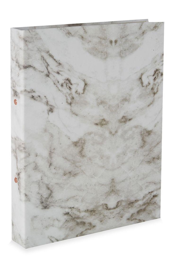 1,3 Primark - Classeur à anneaux A4 motif marbre