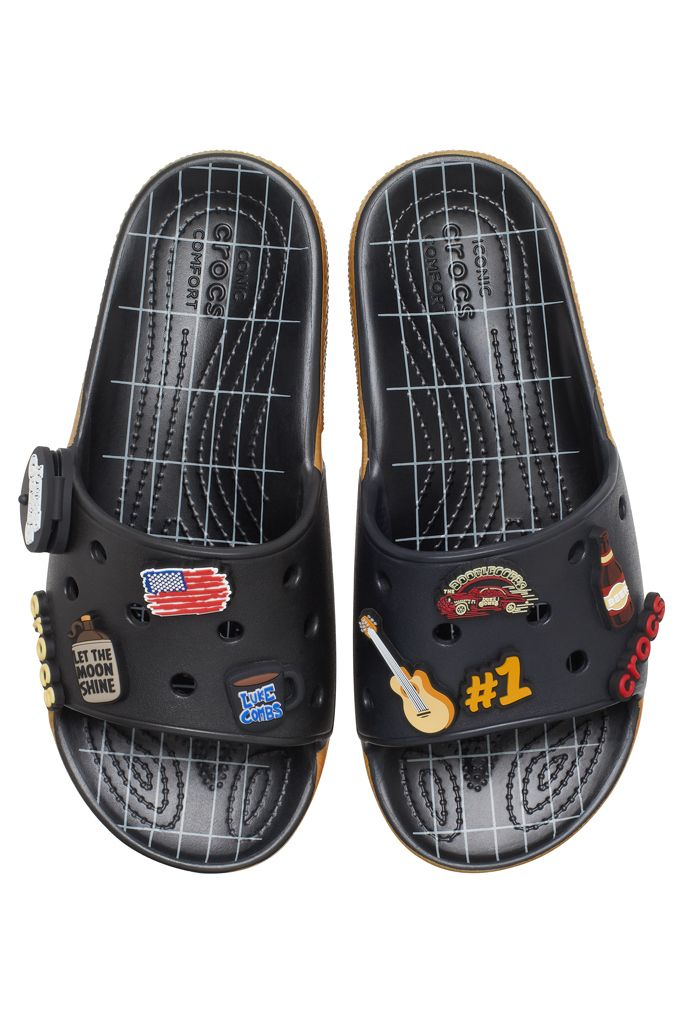 Luke Combs Crocs Debut Bootlegger Themed Slides That Come With A Real Guitar Pick In 2020 Crocs Classic Crocs Comfortable Shoes