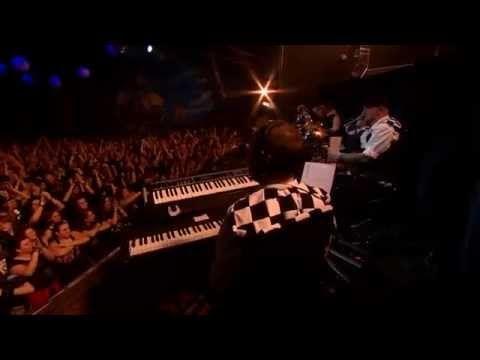 ROAD - TE VAGY AZ EGYETLEN / Acoustic & Metal Live - 2014. BNMC - YouTube