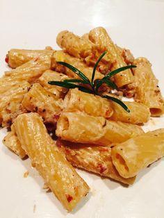 Tortiglioni con crema di gorgonzola mascarpone e noci