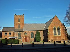 Lye - Christ Church, High St, Lye © Pat Hughes