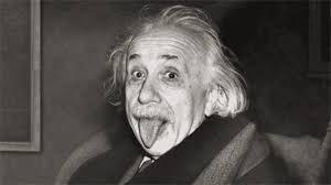 «Existen dos formas de ver la vida: una es creyendo que no existen los milagros, la otra es creyendo que todo es un milagro». Albert Einstein