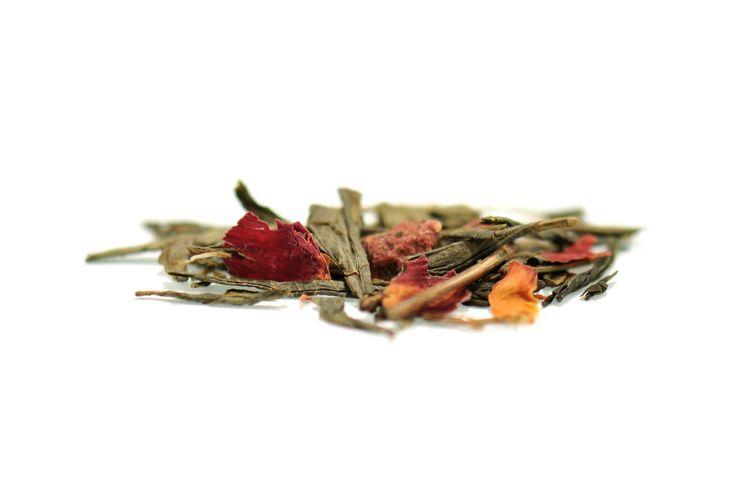 Hallon blåbar rabarber och grädde. Grönt te. 90gr