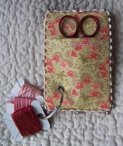 Thread and scissors keep - Guarda tijeras e hilos. Idea perfecta para regalar un detalle.