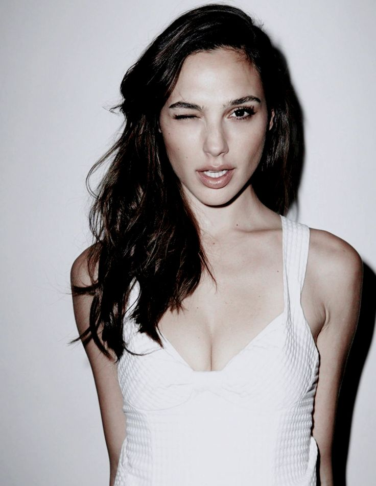 Gal Gadot photographed by Yann Bean for Stndrd Magazine (2013).