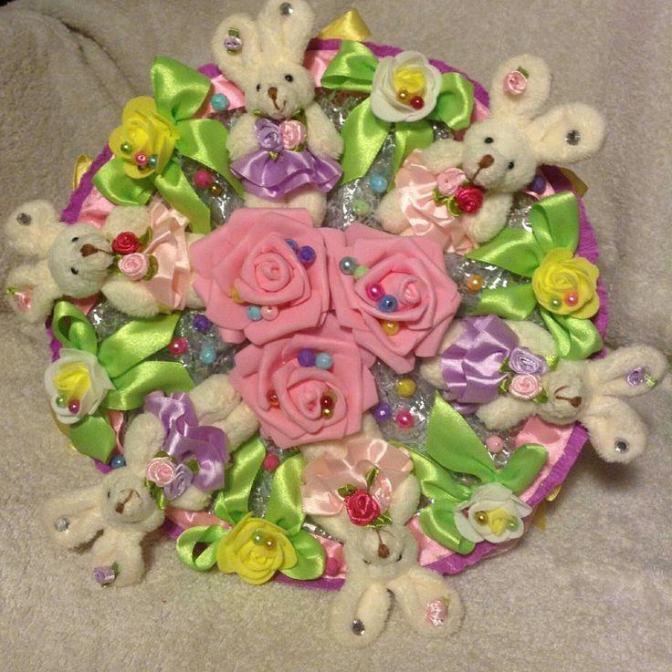 Букет из игрушек с зайчиками ручной работы - купить или сделать на заказ. Магазин рукоделия Крафтбург | арт.:6562
