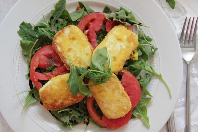 Fried halloumi and tomatoes