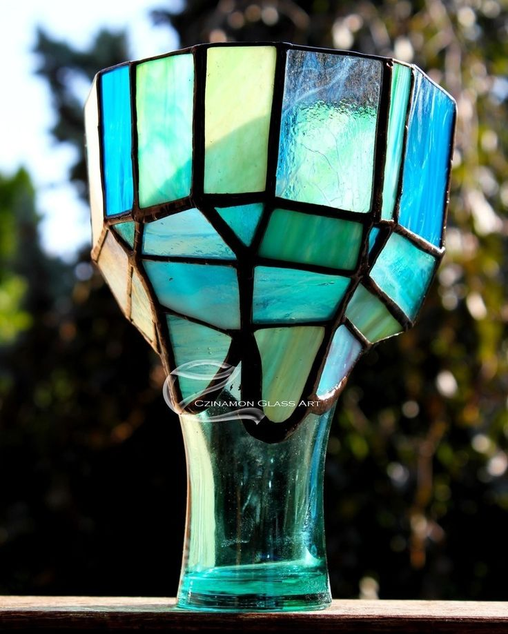 It will be even more beautiful with candles the evenng.  #turquoise #czinamon #czinamonglassart #candel #candelholder #water #ocean #sea #summer #evening #sunlight #glass #tiffany #irregular #colaglass #mcdonalds #broken #changed #summerday #night #lighting #cup #colorful #blue #sky