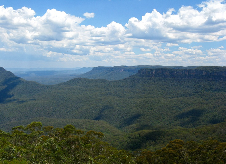 Beautiful Jamison Valley, Blue Mountains, NSW, Australia. Great bushwalking, spectacular scenery. I live in the lucky country!!