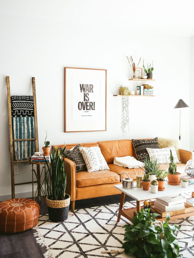 New Darlings - Lots of Plants - Indoor Jungle - Leather Couch - Living Room