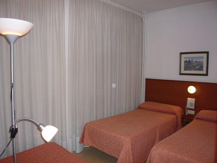 Habitación estándar de hotel.