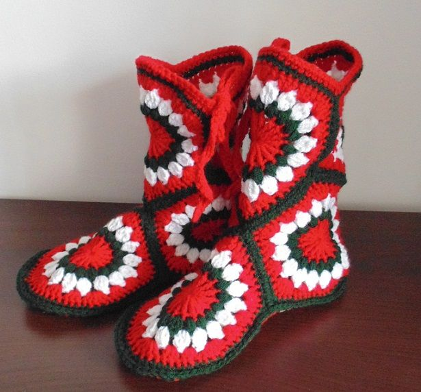 crochet super slippers check out my facebook page www.facebook.com/delia.crochet