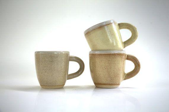 tasse en céramique à café espresso fait par Aubepinecollection
