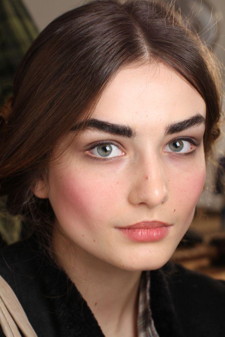 Best 25+ Bold eyebrows ideas on Pinterest | Brow, Eyebrows goals ...