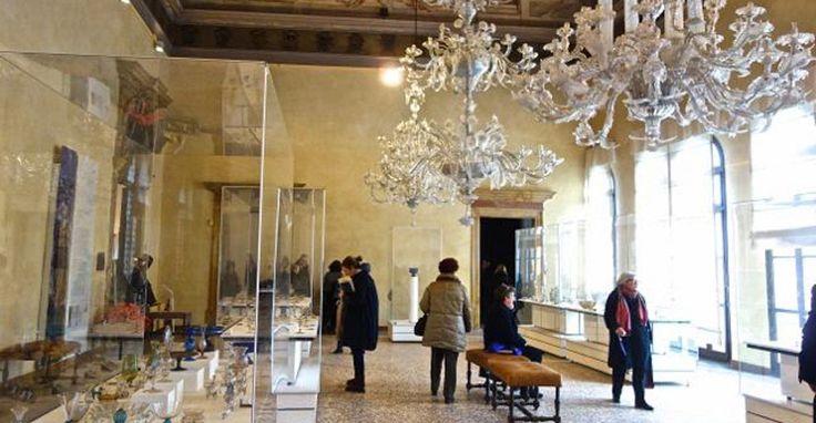 Museo del Vidrio, cristales y elegancia en un antiguo palacio veneciano - http://www.absolutitalia.com/museo-del-vidrio-cristales-y-elegancia-en-un-antiguo-palacio-veneciano/
