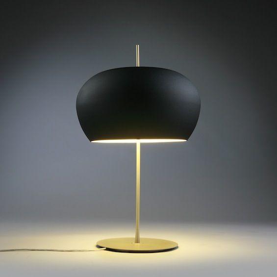 """Pour Confidence And Light, Nicolas François a imaginé la lampe à poser, le lampadaire et la suspension """"Fred""""."""